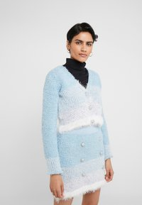 Pinko - AGONE CARDIGAN SPUGNA ARMATURA - Vest - bianco/azzurro/bluette - 0