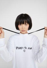 Pinko - MAGLIA - Hoodie - white - 5