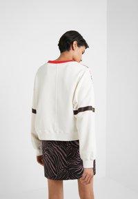 Pinko - SENAPE MAGLIA FELPA DI COTONE - Sweatshirt - bianco biancaneve - 2