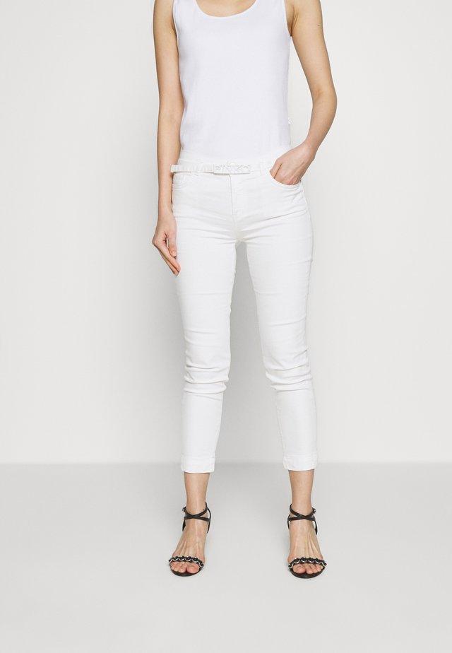 SABRINA  - Jeansy Skinny Fit - bianco