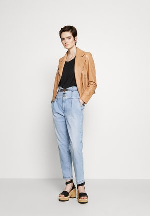 ARIEL BUSTIER  - Straight leg jeans - light blue