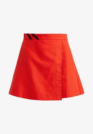 ROMANTICO GONNA ARMATURATO - Shorts - red