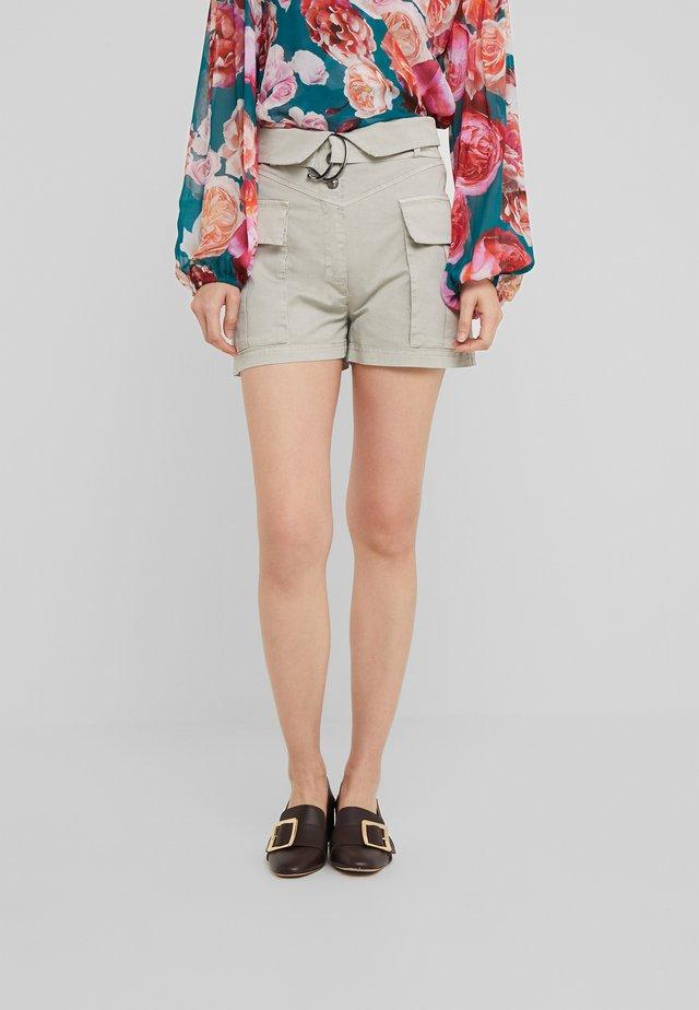 BURRATA - Shorts - grigio muschio