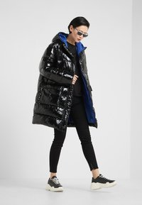Pinko - TRAVOLGERE - Winter coat - black - 1