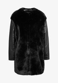 Pinko - TALLONARE CAPPOTTO  - Zimní kabát - black - 4