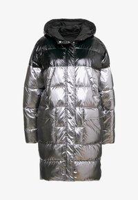 Pinko - PAMPERO PIUMINO  - Zimní kabát - silver - 4