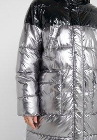 Pinko - PAMPERO PIUMINO  - Zimní kabát - silver - 3