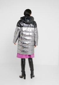 Pinko - PAMPERO PIUMINO  - Zimní kabát - silver - 2