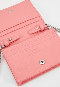 Pinko - JOLIE SIMPLY CREDIT CARD  - Portafoglio - bubble pink - 5