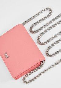 Pinko - JOLIE SIMPLY CREDIT CARD  - Portafoglio - bubble pink - 6