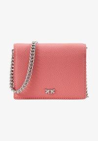 Pinko - JOLIE SIMPLY CREDIT CARD  - Portafoglio - bubble pink - 1