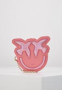 Pinko - LUCKY TRACOLLINA - Lompakko - bubble pink - 0