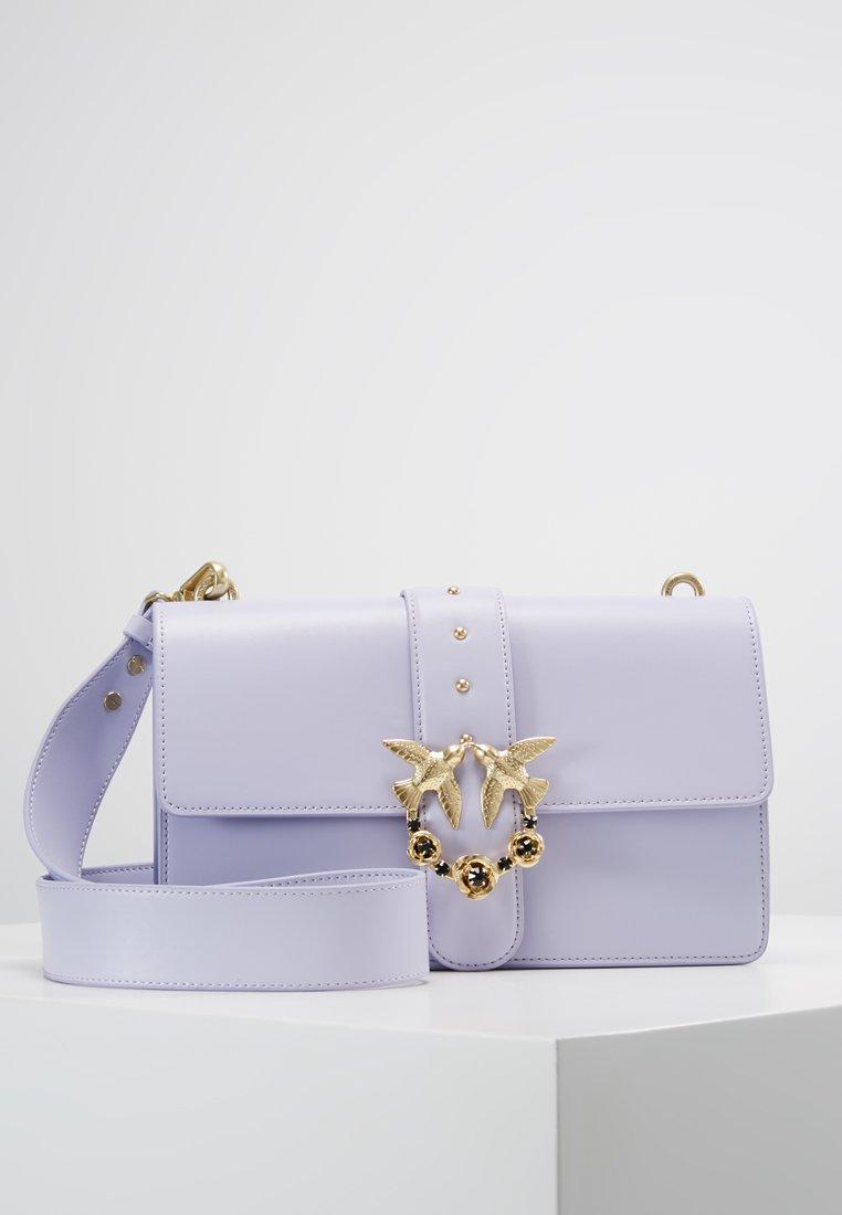 Pinko - LOVE ABBRACCIO BAG - Across body bag - lilla
