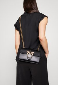 Pinko - LOVE MINI SIMPLY - Borsa a tracolla - black - 1