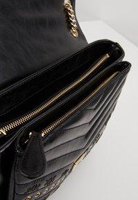 Pinko - LOVE LADY EYELETS VINTAGE - Across body bag - black - 4