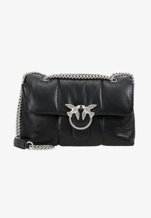 LOVE PUFF QUILTING  - Håndtasker - black