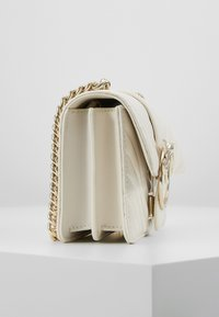 Pinko - LOVE MINI MIX  - Sac bandoulière - white - 3