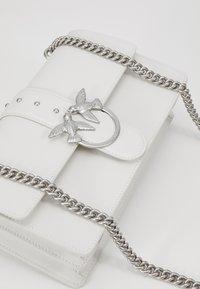 Pinko - LOVE CLASSIC SIMPLY  - Borsa a tracolla - white - 2