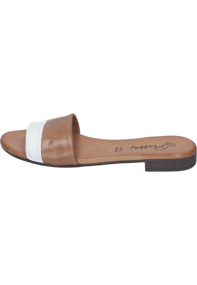 Sandals - braun
