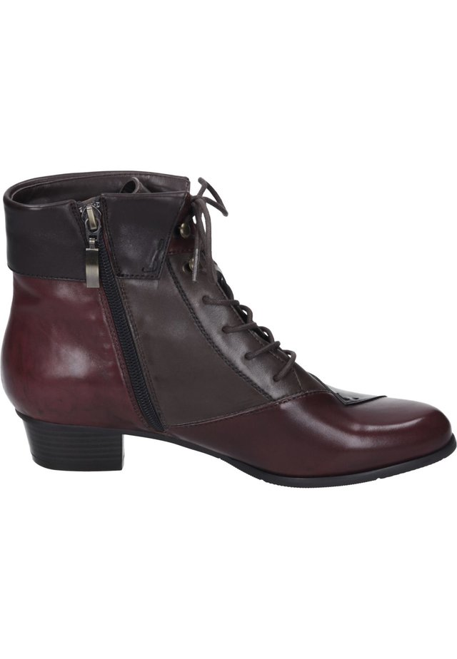 Lace-up ankle boots - testadimoro/sangria