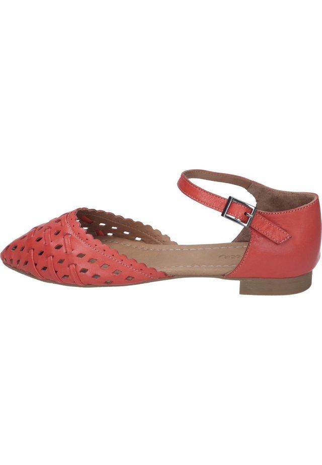 Ankle strap ballet pumps - rot
