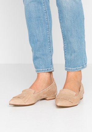 PARKER - Nazouvací boty - sable