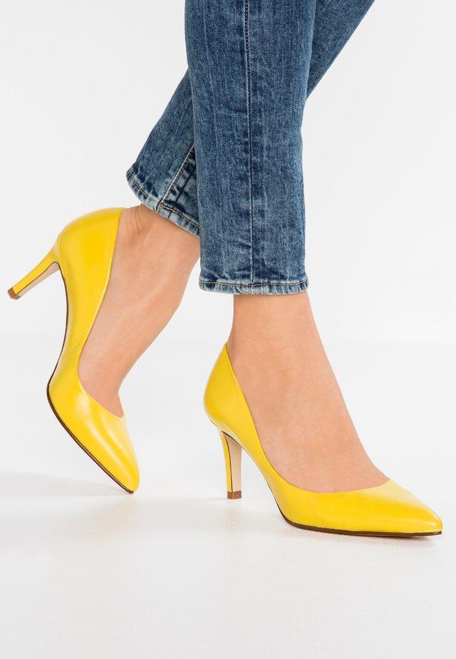 CLAIRE - Czółenka - limone