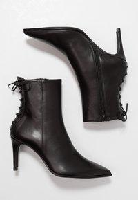 Paco Gil - MINA - Classic ankle boots - bravo black - 3