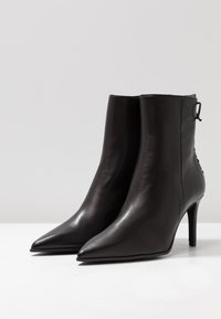 Paco Gil - MINA - Classic ankle boots - bravo black - 4