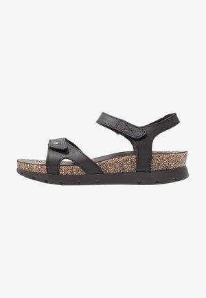 SULIA BASICS - Sandalias con plataforma - black