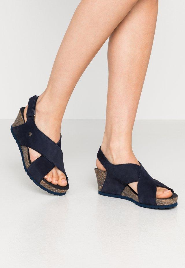 VALESKA BASICS - Sandály na platformě - dunkelblau