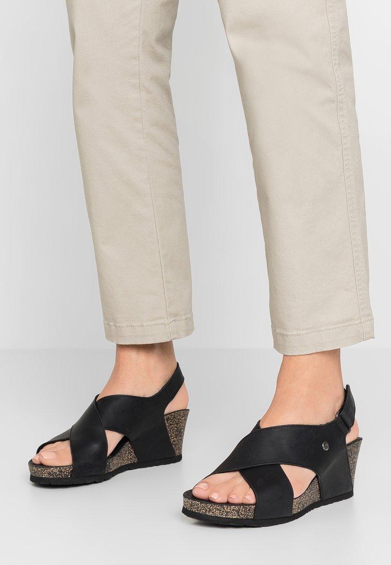 Panama Jack - VALESKA BASICS - Sandály na platformě - grass/black