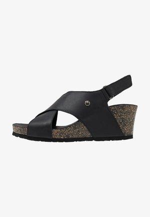 VALESKA BASICS - Platform sandals - grass/black