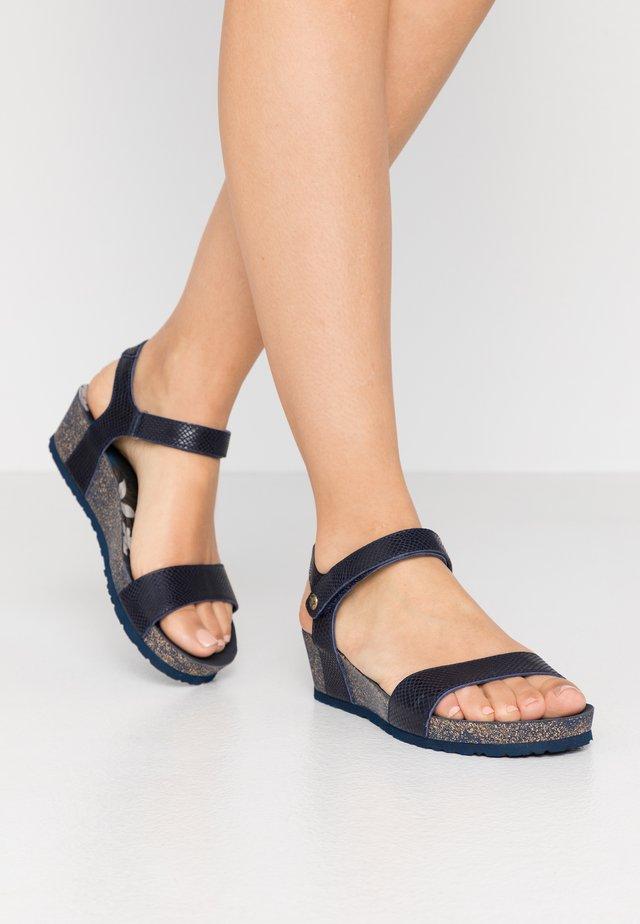 CAPRI AMAZONIC - Sandalias de cuña - dunkelblau