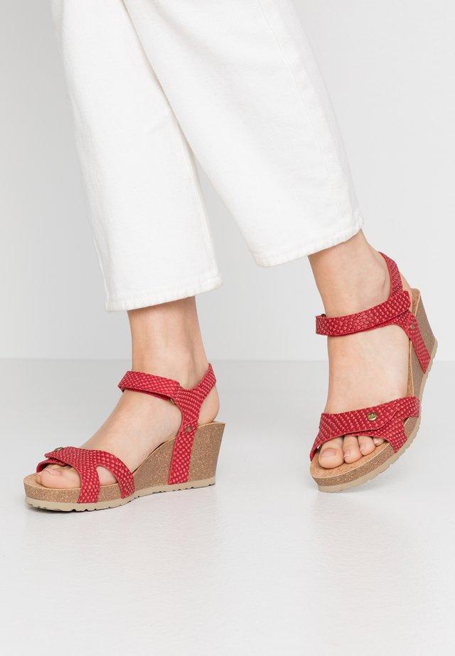 JULIA - Sandaletter med kilklack - rot