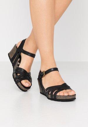 VERA AMAZONIC - Sandalias de cuña - schwarz