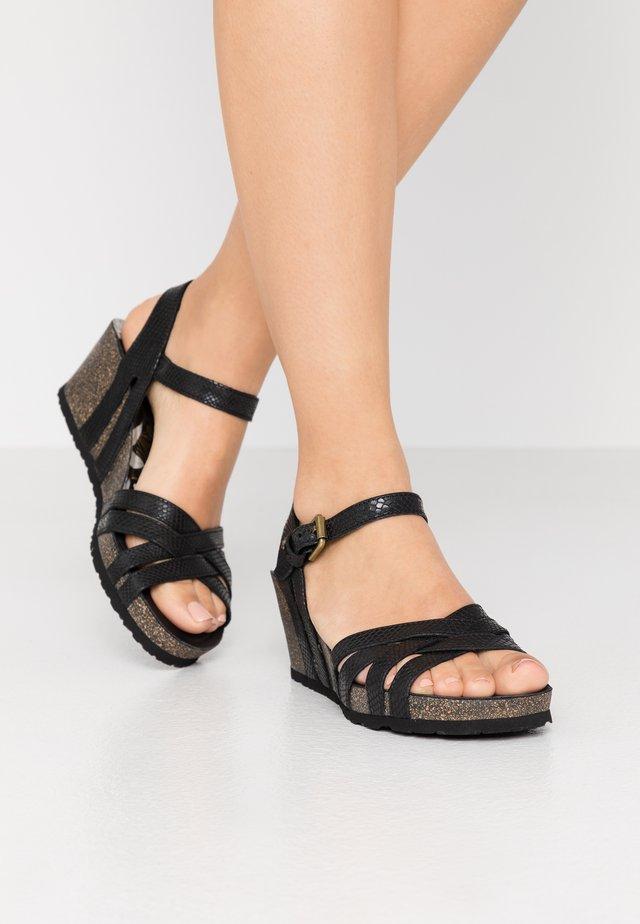 VERA AMAZONIC - Sandaletter med kilklack - schwarz