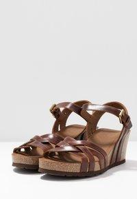 Panama Jack - VERA CLAY - Sandalias de cuña - brown - 4