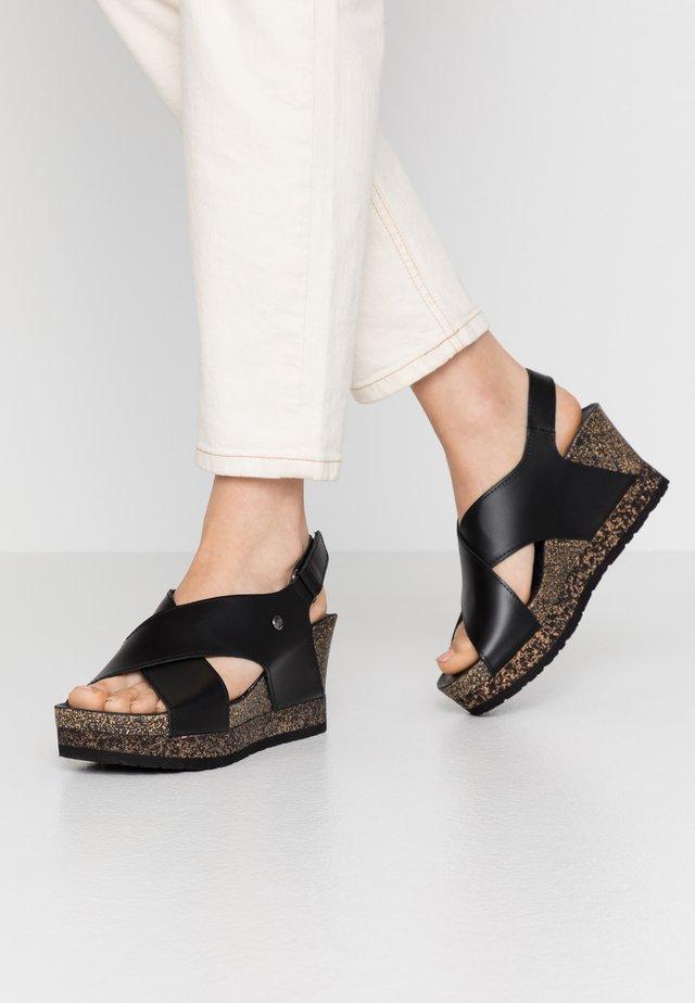 VALESKA NATURE - Sandály na platformě - schwarz