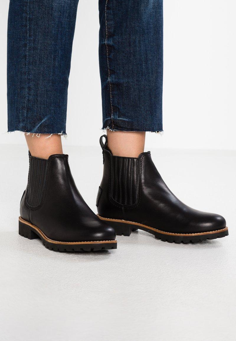 Panama Jack - IGLOO TRAVELLING - Kotníkové boty - black