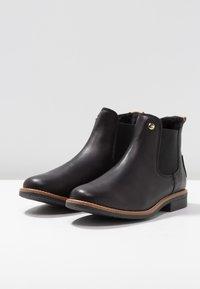 Panama Jack - GIORDANA IGLOO TRAVELLING - Kotníková obuv - black - 4
