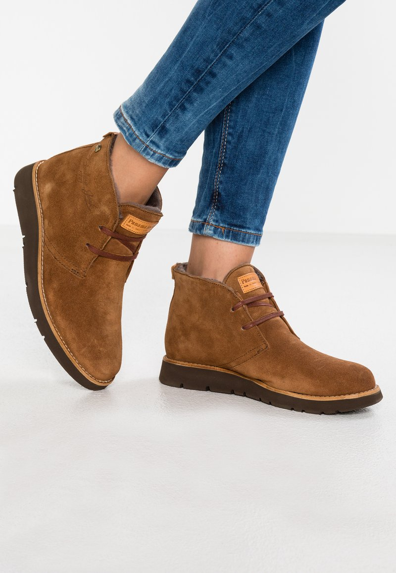 Panama Jack - CLARISSE IGLOO - Ankelstøvler - bark