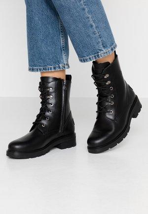 LILIAN IGLOO - Šněrovací kotníkové boty - black