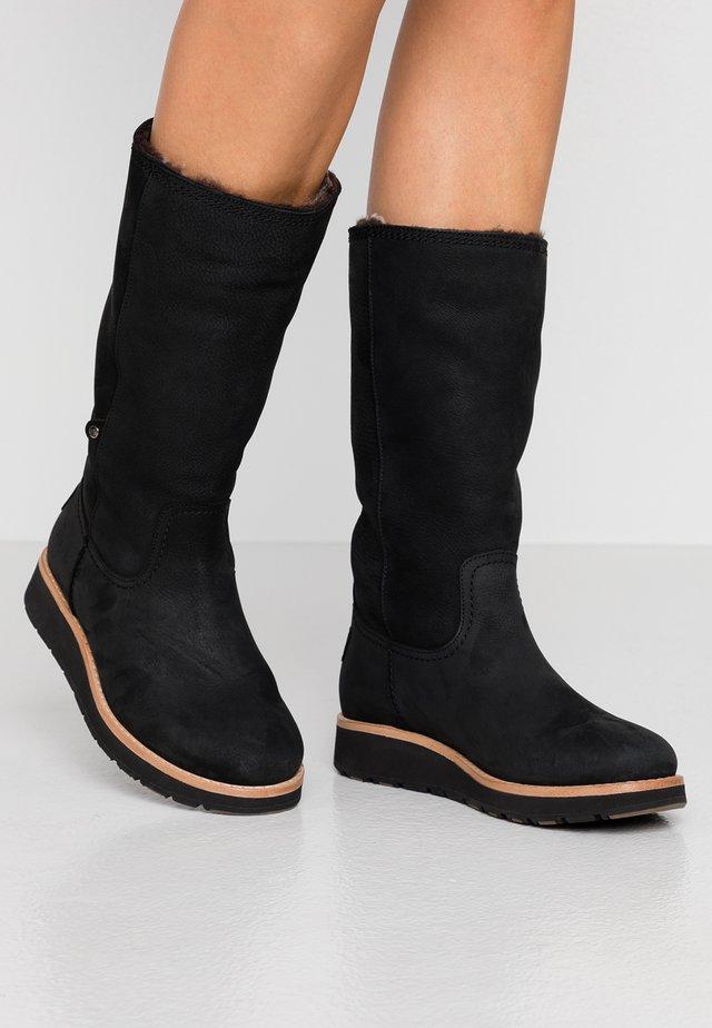 COLUMBIA - Stiefel - black