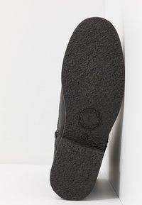 Panama Jack - GATHA IGLOO TRAVELLING - Šněrovací kotníkové boty - black - 6