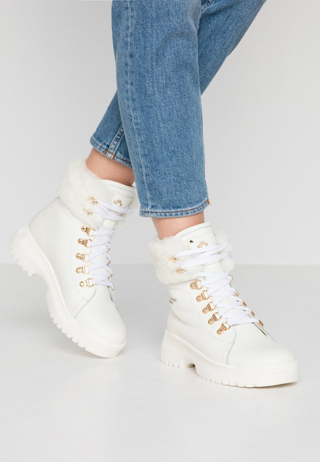 HELSINKI IGLOO - Platform ankle boots - blanco/white