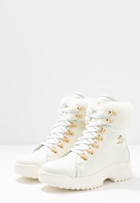 Panama Jack - HELSINKI IGLOO - Kotníkové boty na platformě - blanco/white - 3