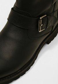 Panama Jack - FELINA IGLOO - Cowboy/biker ankle boot - black - 2