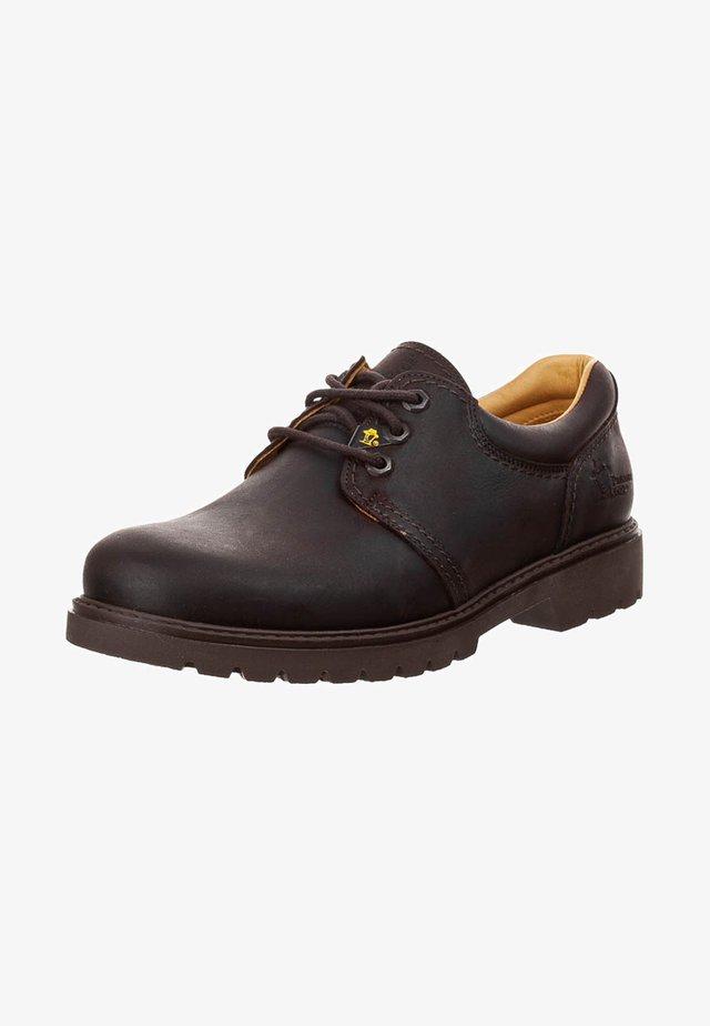 PANAMA - Sznurowane obuwie sportowe - grass maron