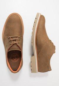 Panama Jack - KALVIN - Zapatos con cordones - brown - 1